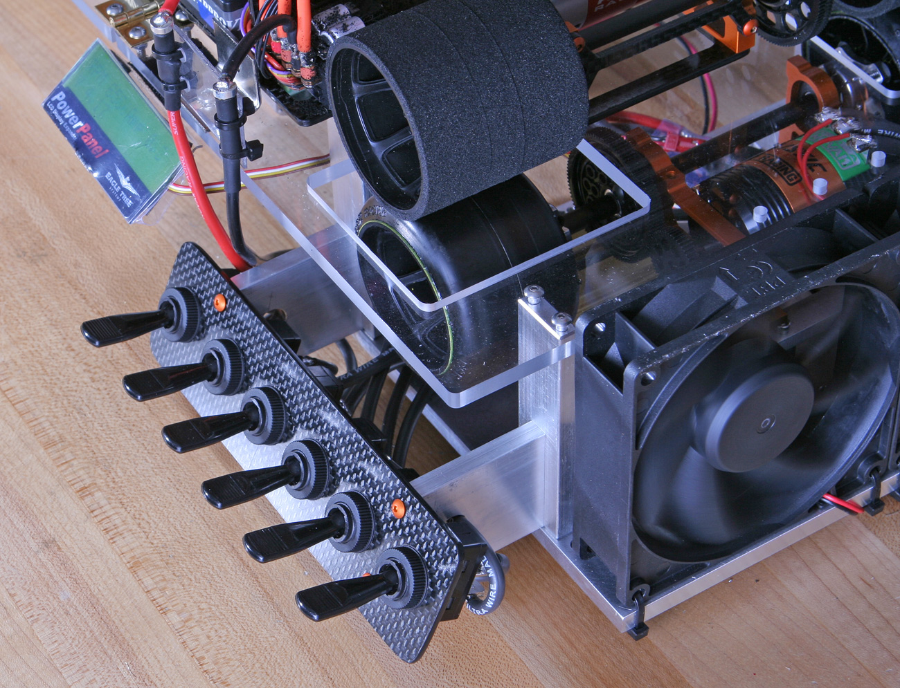 Who makes a dyno for brushless motors r c tech forums for Are brushless motors better